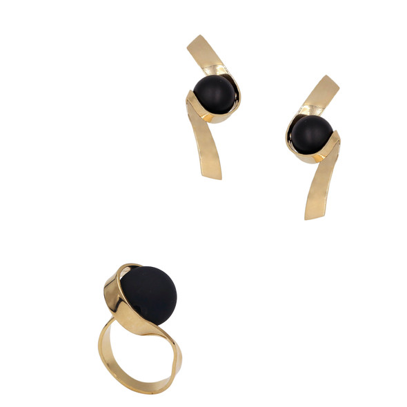 1562 ring $21,00 / 7623 earrings $16,63