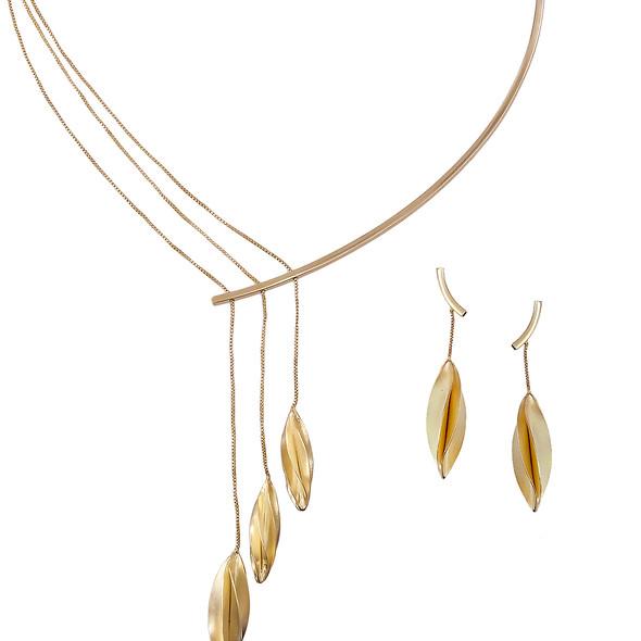 3825 necklace $33,74 / 7492 earrings $12,38
