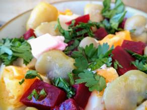 Salada de favas com beterraba e feta