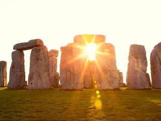 Summer-solstice-stonehenge-england.jpg