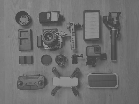 Vlogger%2520Equipment_edited_edited.jpg