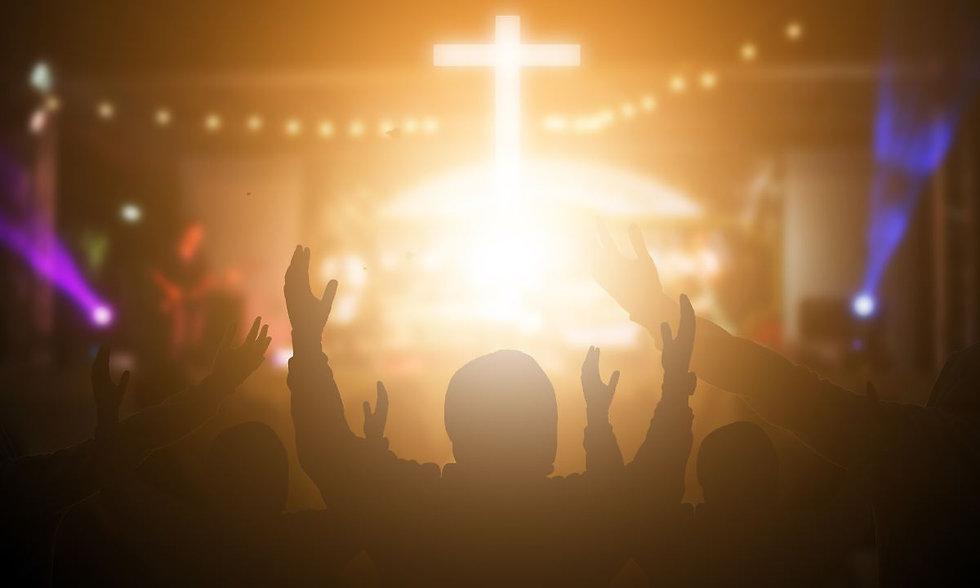 69089-worship-song-singing-cross-church-