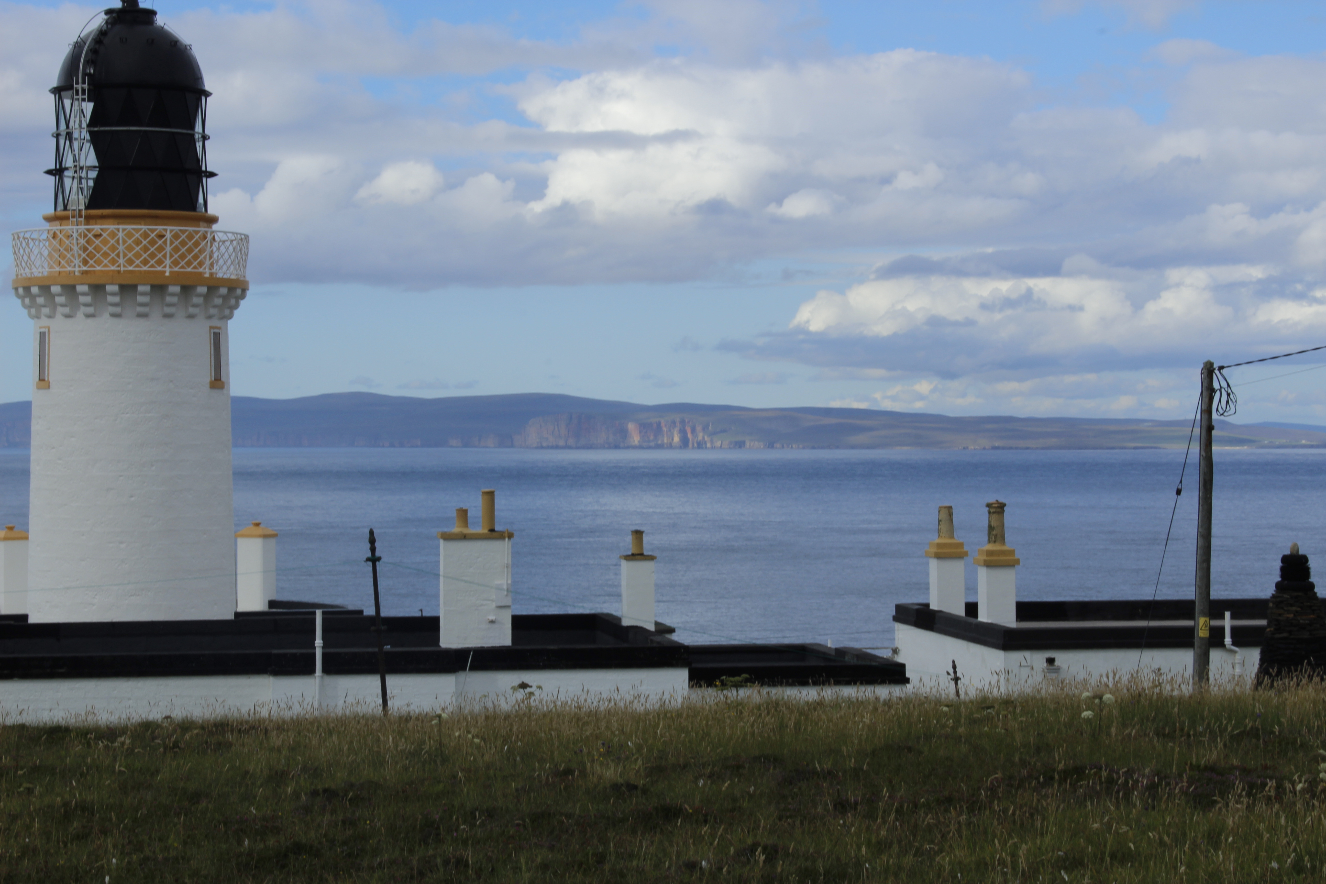 Dunnet Head lighthouse and the Orkney's