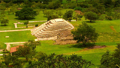 chalcatzingo-pyramide olmeque-800-500.jp