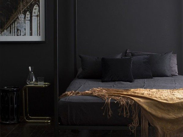 Home decor ideas in pakistan - black bedroom