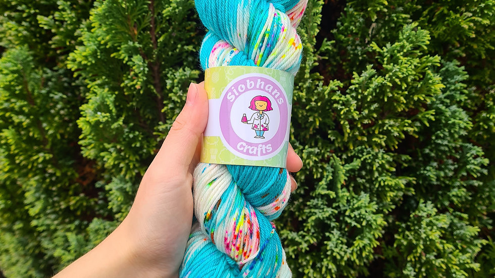 Turquoise popping candy