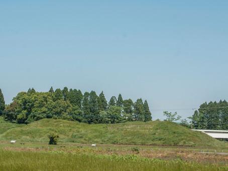 新富町の百足塚古墳に行ってきました。