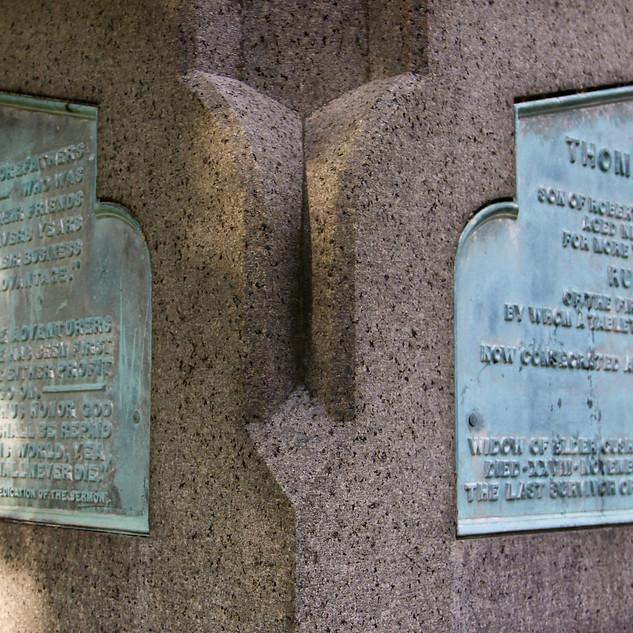 Thomas Cushman monument