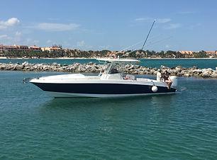 fishing boat Wellcraft 35' yachts and fishin' tulum riviera maya cancun