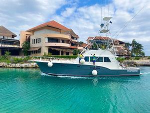 fishing boat lux Hattteras 53' yachts and fishin' tulum riviera maya cancun
