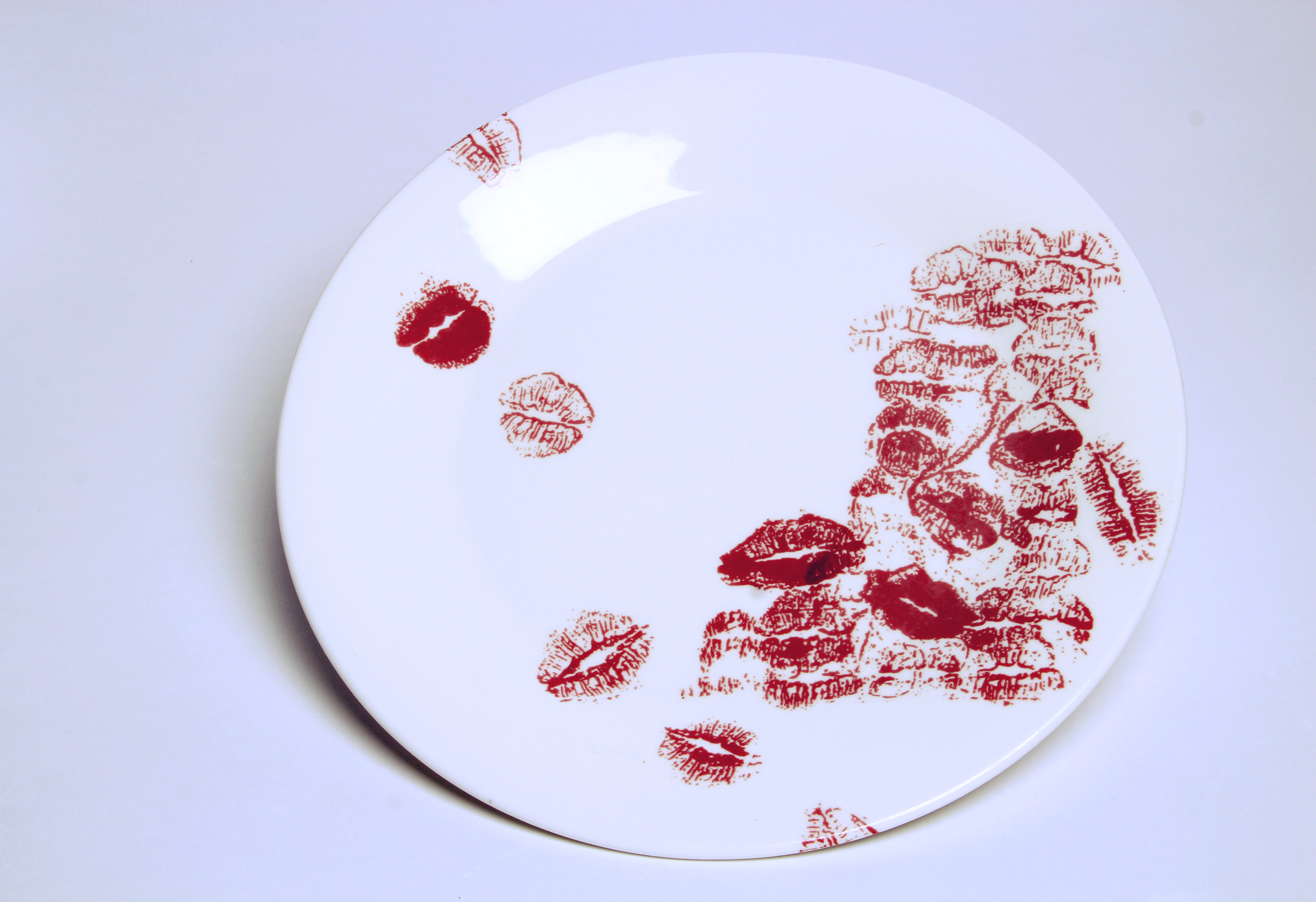 The Kissing plates