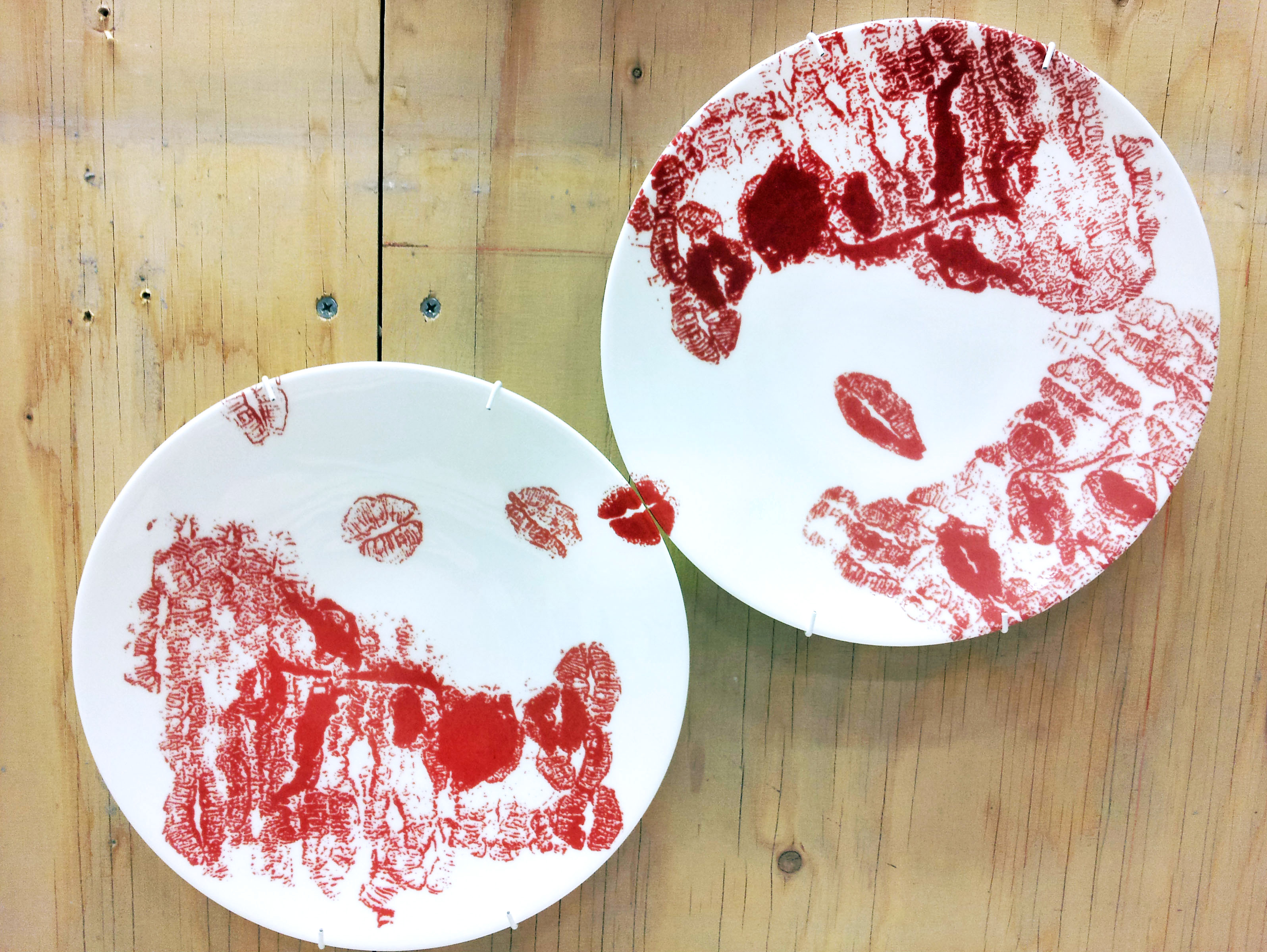 The Kissing plates  2