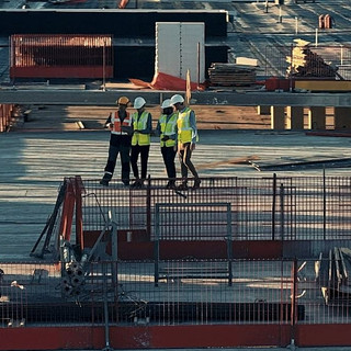 Construction Contract Managers and Project Management