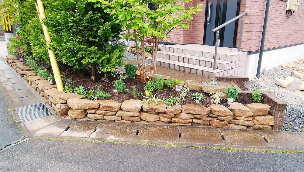 土留め花壇の植栽4