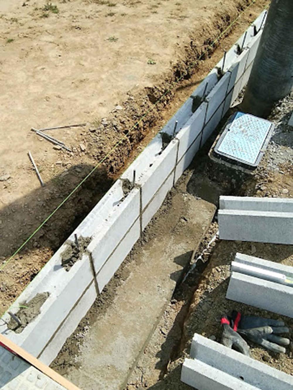 イモブロックと鉄筋モルタル