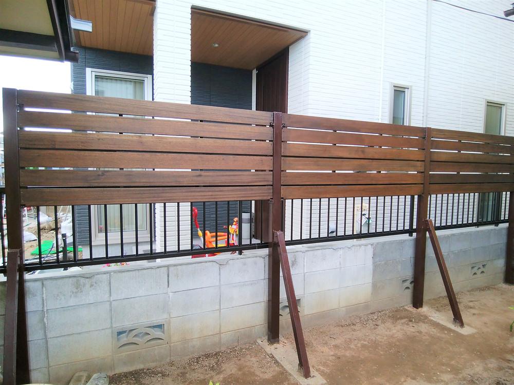 目隠しフェンス工事1