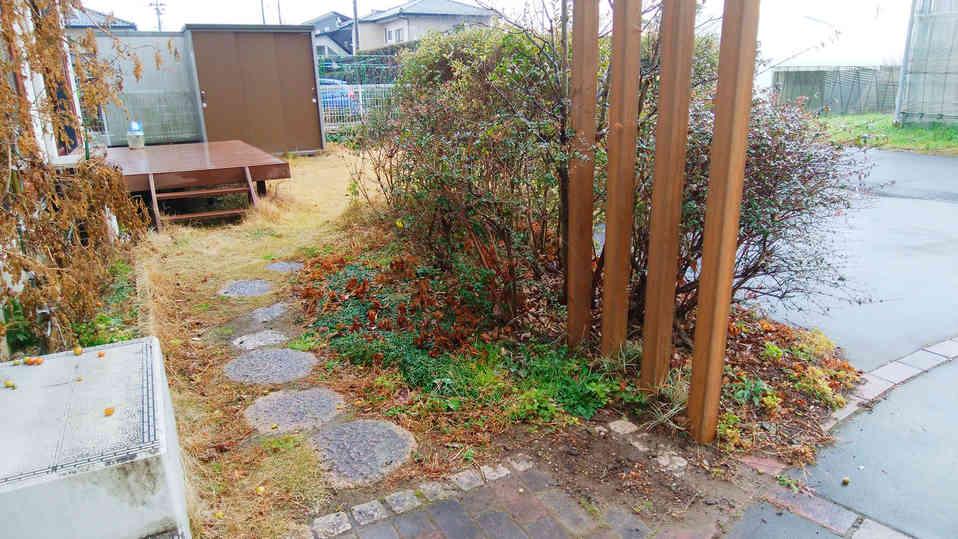 before(通路と花壇)