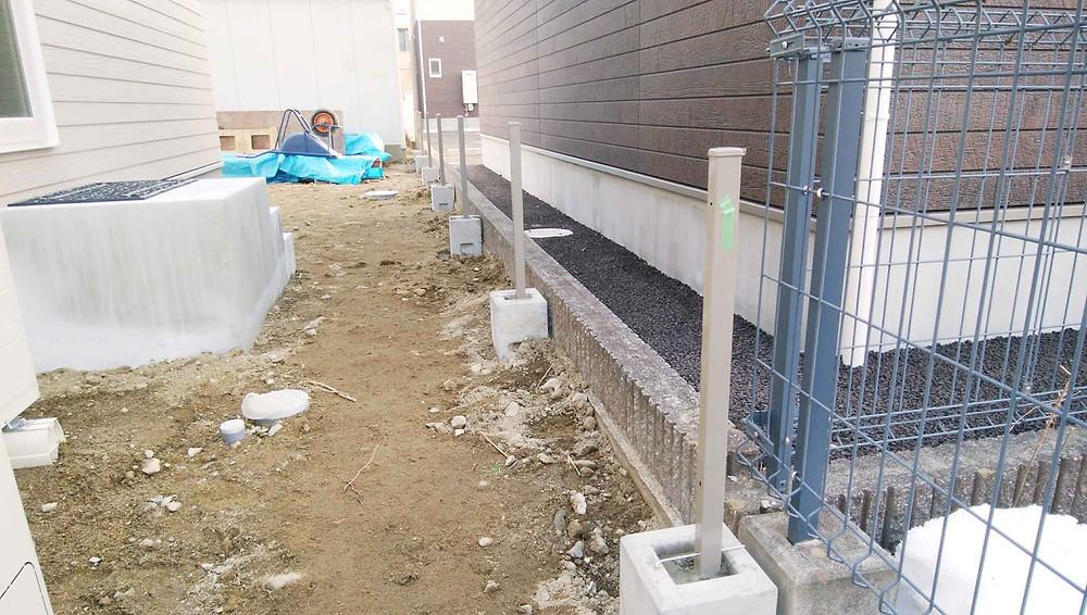 フェンス基礎工事1