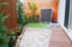 インターロッキングと人工芝のテラス