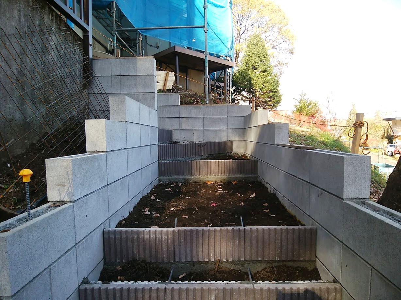 階段と土留め擁壁4