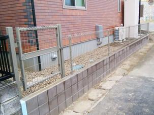 Case11:変形敷地を生かした駐車場と人工芝のあるお庭