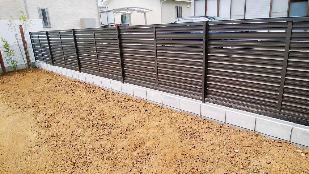 土留め2段ブロック+フェンス