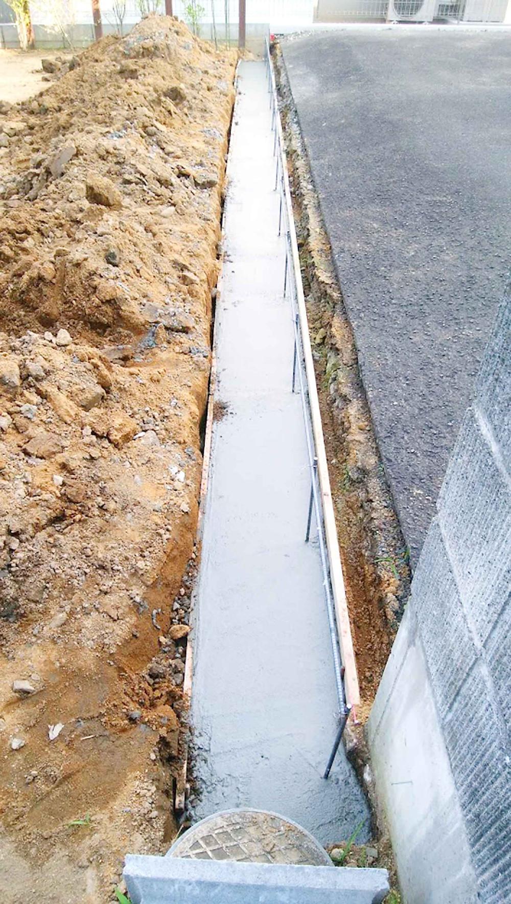 土留めコンクリートブロック基礎2