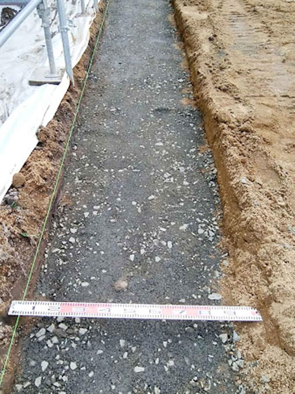 土留めブロック基礎砂利敷き