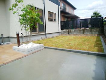 名取市外構工事|全体を四角いグリッドで構成したシンプルな外構デザイン・4