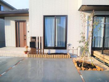 名取市外構工事|玄関前のプチリフォームで、センスアップ・3
