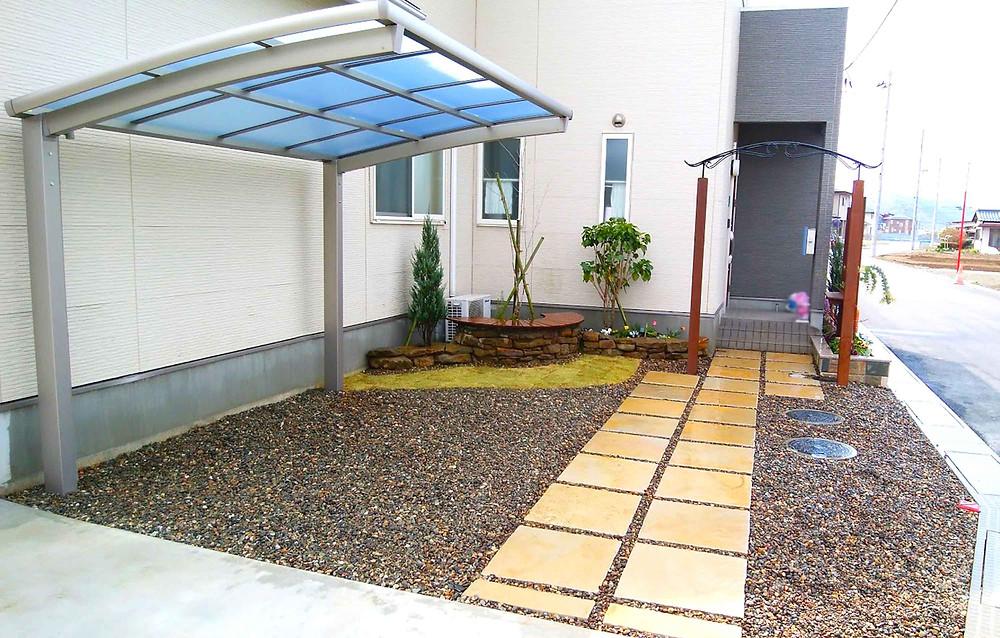 玄関アプローチ アーチゲート・サイクルポート(駐輪場)