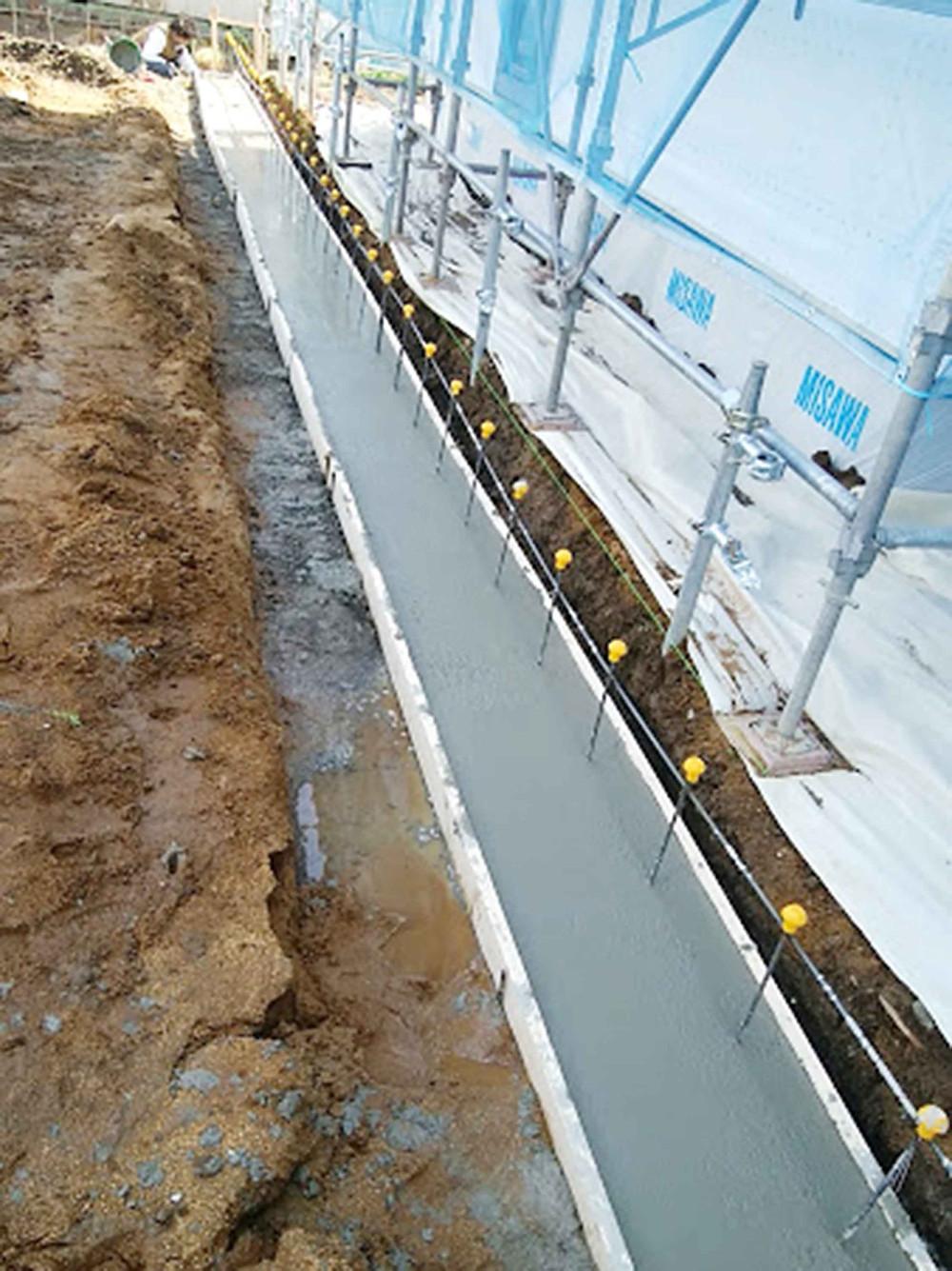 土留めブロック基礎コンクリート流し込み2