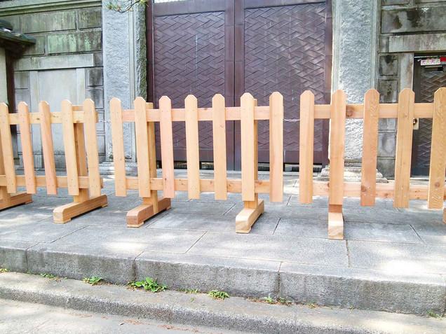 木製のピケットフェンス(ウエスタンレッドシダー)