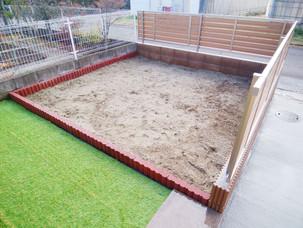 Case36:駐車場を広げてお手入れ簡単なお庭へとすっきりリフォーム