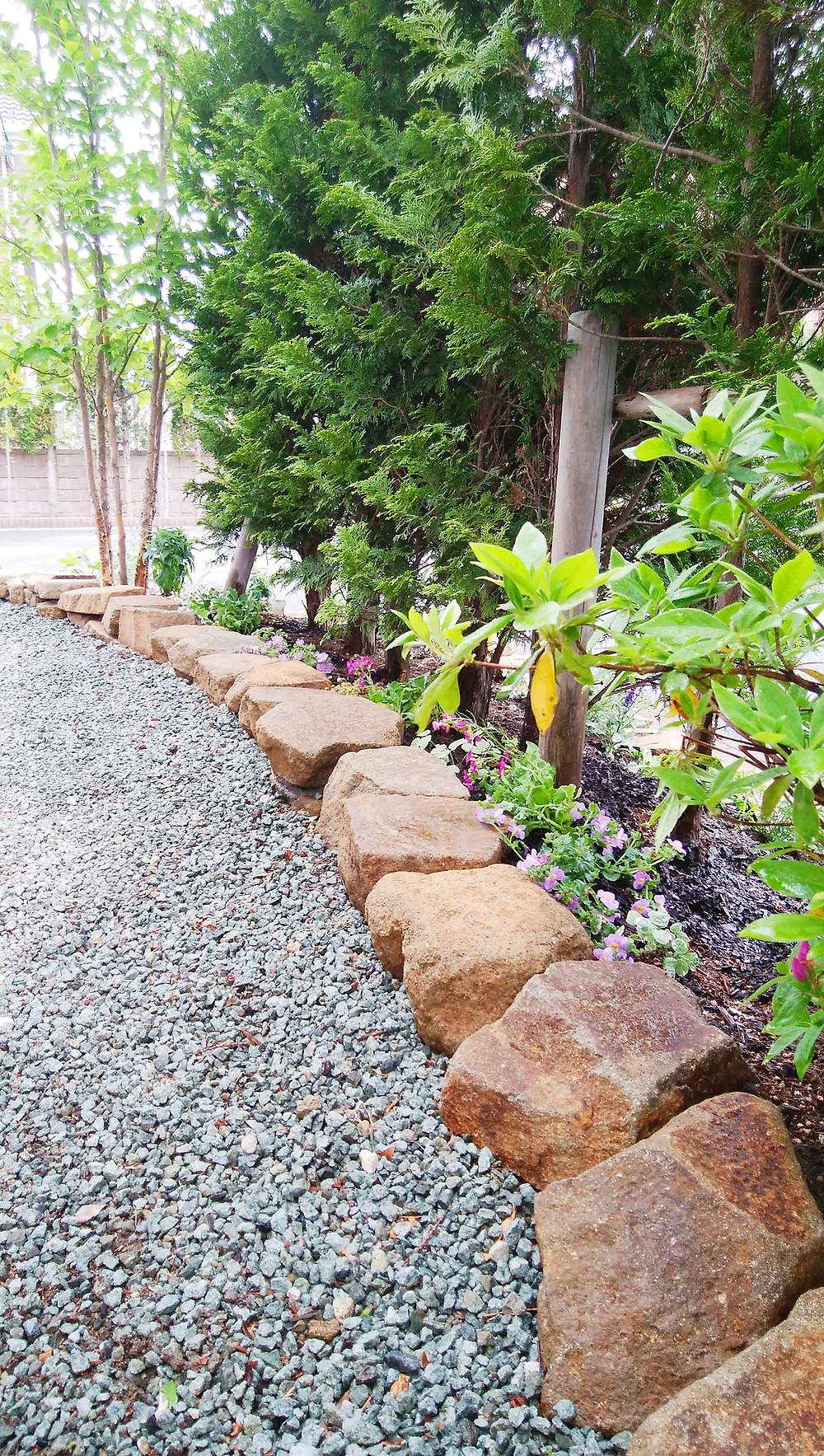 土留め花壇の植栽1