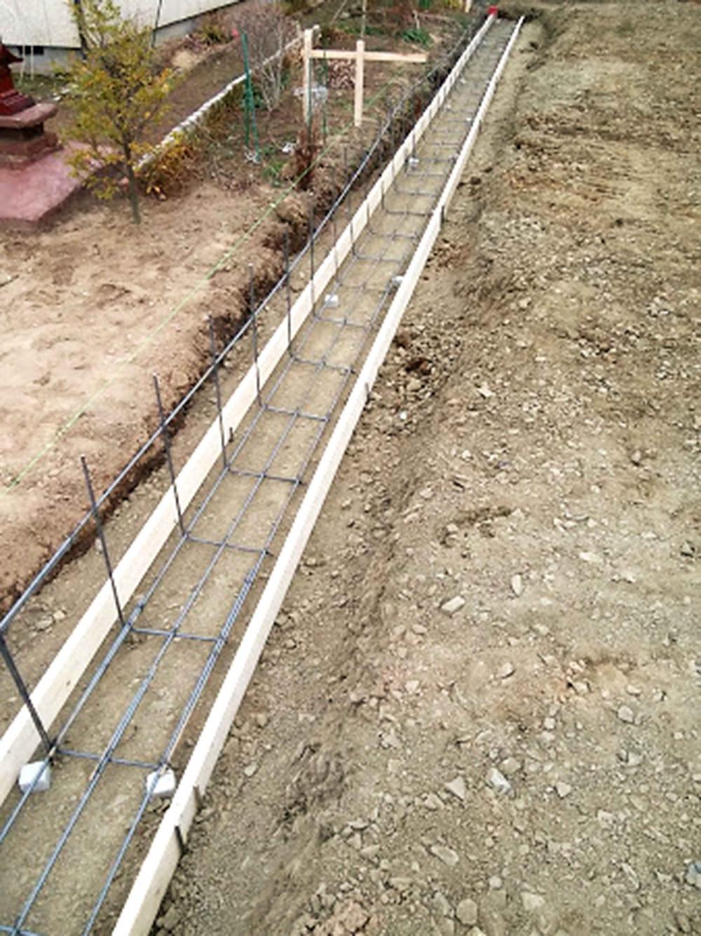 土留めブロック基礎鉄筋組み付け