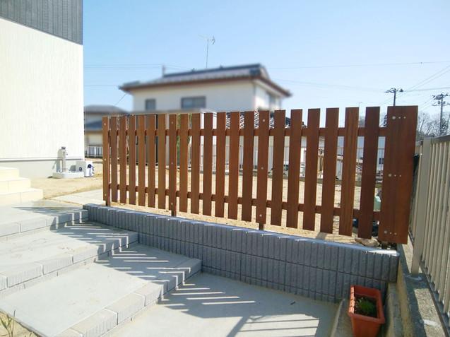 木製フェンス(セランガンバツ)