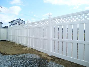 太白区外構工事|バイナルフェンスのお庭と玄関前の一式リフォーム・3