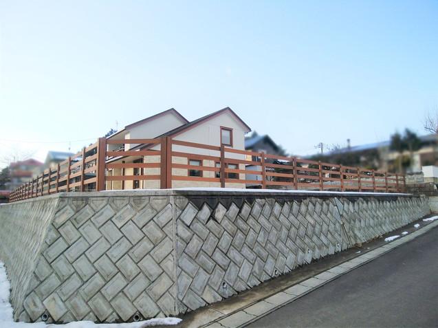 ロング木製フェンス