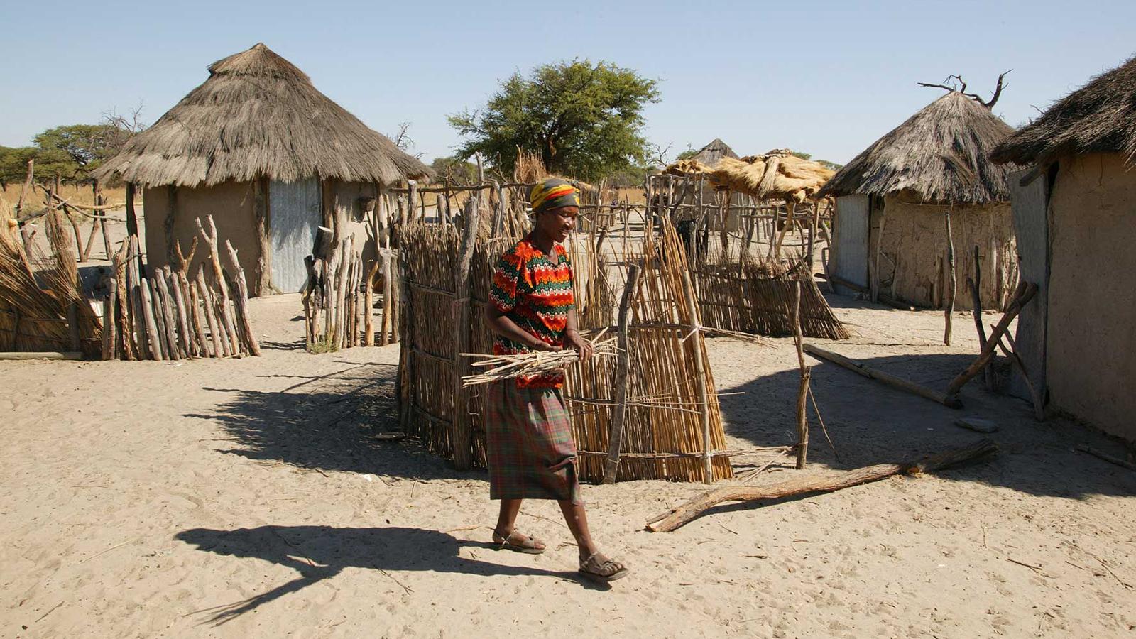 botswana-huts