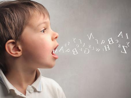 A FONIATRIA e uma área da otorrinolaringologia especializada em cuidar dos distúrbios da comunicação