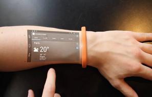 Protótipo de Pulseira Reproduz Tela de Smartphone Através de Conexão Sem Fio