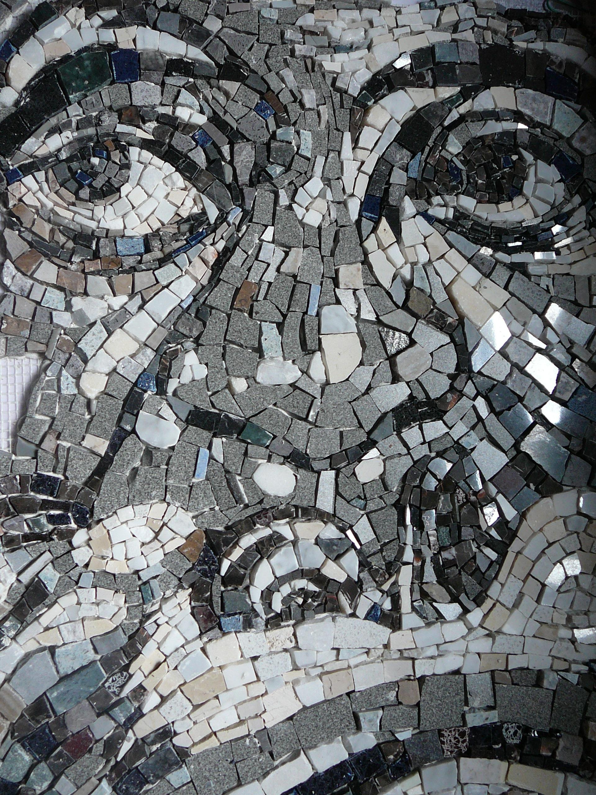 Mosaïque en marbre, smalti et grès
