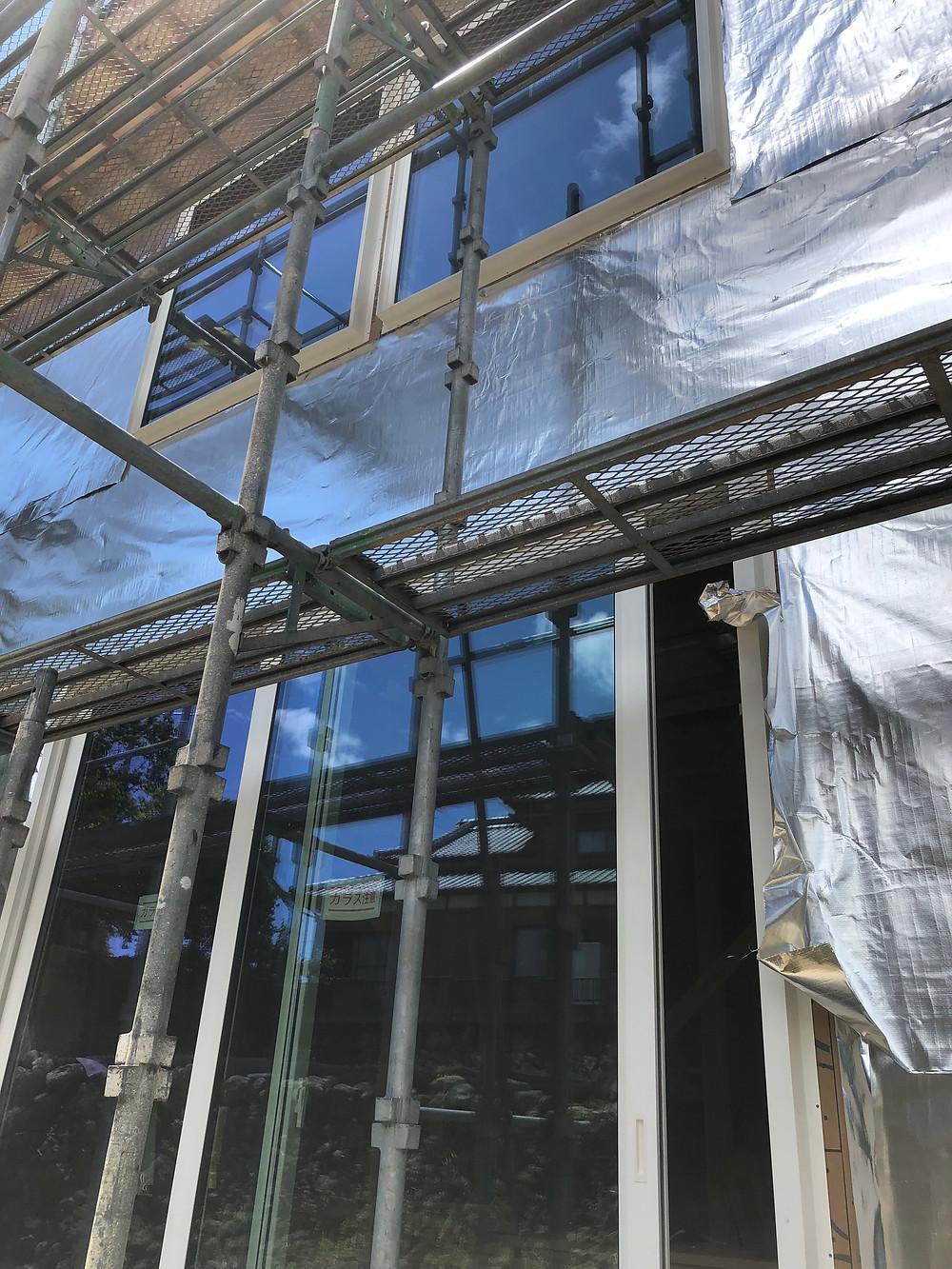 樹脂窓のトリプルガラスの写真