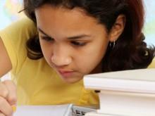 """Como debe hacer un padre para animar a sus hijos a ser """"Grandes Escritores""""."""