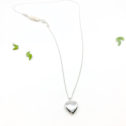LOCKET White Pearl Necklace