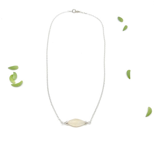 SOPHIE Moonstone Mid Collar Necklace