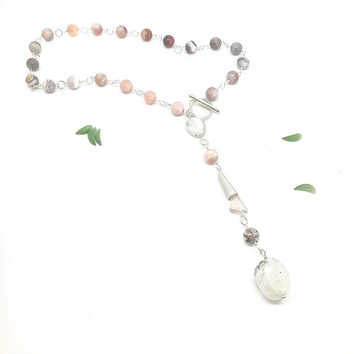 IVY Peach Agate Necklace