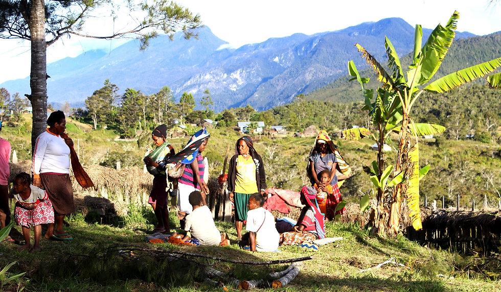 perempuan%20jayawijaya_edited.jpg