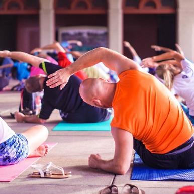 6 Shameless Reasons Why More Men Should Do Yoga